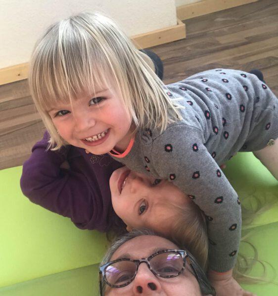 Kinder mit Emanuela ~ Kindertagespflege Momela ~ Tagesmutter in Saarbrücken und Saarpfalz